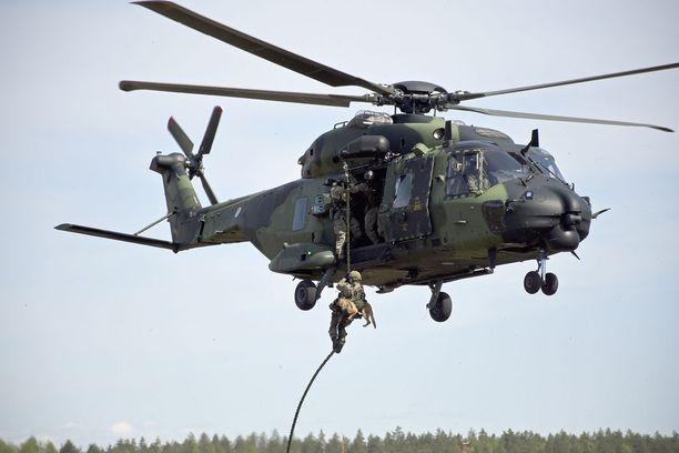 Nyt Suomen puolustusvoimat käyttää muun muassa NH90-koptereita. Kuva Utista toukokuussa 2016.