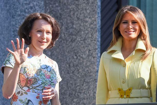 Presidenttien puolisot Jenni Haukio ja Melania Trump olivat pukeutuneet yhteneväisesti perhosteemaan.