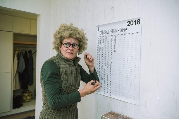 Krapula-Päiviä näyttelee Pirjo Lonka.