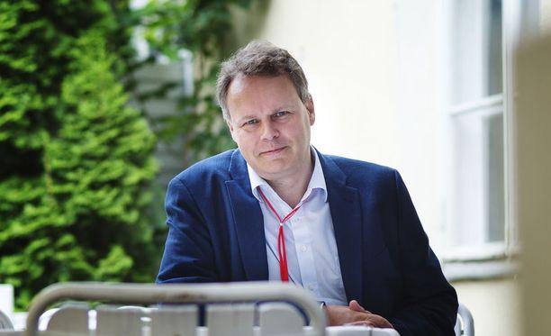 Professori Juho Saaren johdolla toiminut työryhmä luovutti loppuraporttinsa pääministerille Kesärannassa keskiviikkona 21. maaliskuuta.