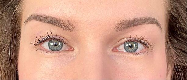 Vasemmalla kokeilu, oikealla tavalliseen tapaan levitetty ripsari.