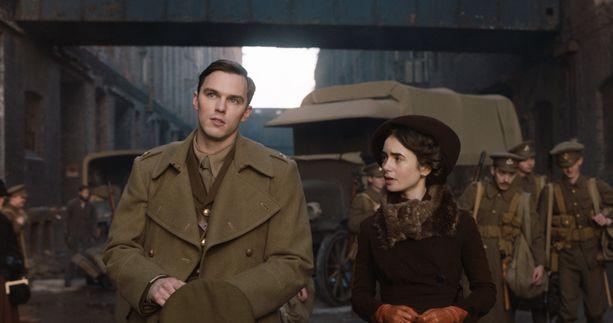 Nicholas Hoult ja Lily Collins näyttelevät pääosia J.R.R. Tolkienin nuoruusvuosista kertovassa elokuvassa.