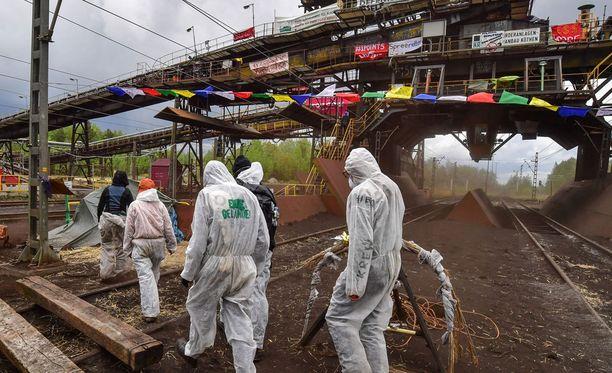 Mielenosoittajat tunkeutuivat hiilivoimalaitokseen Saksassa.