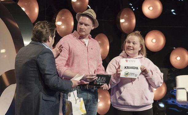 Janne Kataja isännöi Napakymppiä.