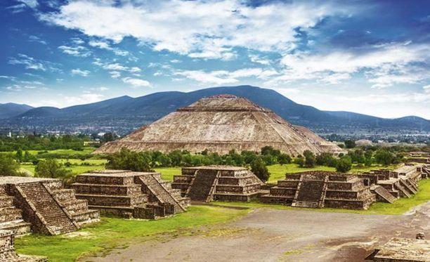 Teotihuacán oli aikoinaan suuren atsteekkien valtakunnan keskus, noin 150 000 asukkaan kaupunki.