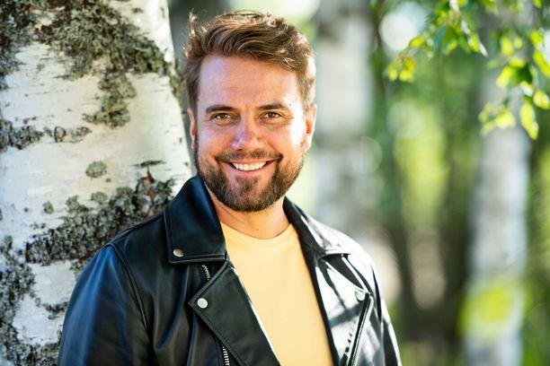 Laulaja Antti Ketonen kertoo nyt antamansa haastattelun taustat. Todellisuudessa hänellä on ollut kaiken aikaa vanhempiensa tuki omalle uralleen.