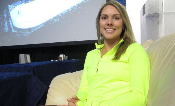 Olga Hmylev yritti opettaa Mikael Granlundille ja Mikko Koivulle venäjän kielen sanoja.