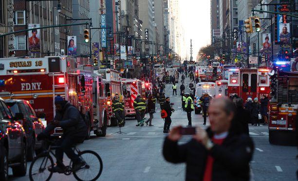 Pommiräjähdys aiheutti kaaoksen, mutta Ullahin itsensä lisäksi vain kolme muuta ihmistä loukkaantui lievästi.