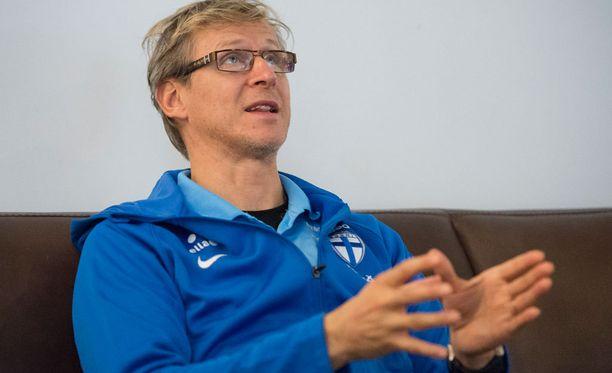 Markku Kanerva johtaa maajoukkueen Kreikkaa ja Färsaaria vastaan.