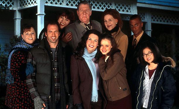 Lorelai ja Rory ystävineen nähtiin televisiossa seitsemän tuotantokauden ajan.
