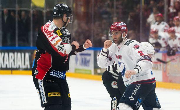Nolan Yonkman ja Joe Finley ottivat eilen yhteen Jyväskylässä.