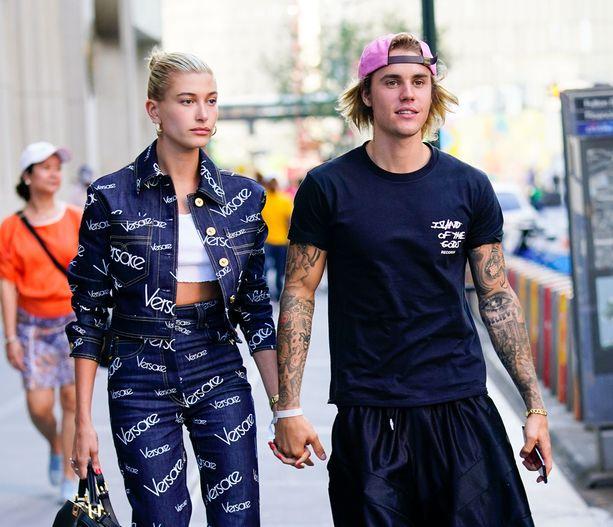 Justin Bieber ja Hailey Baldwin kihlautuivat viikonloppuna Bahamalla.