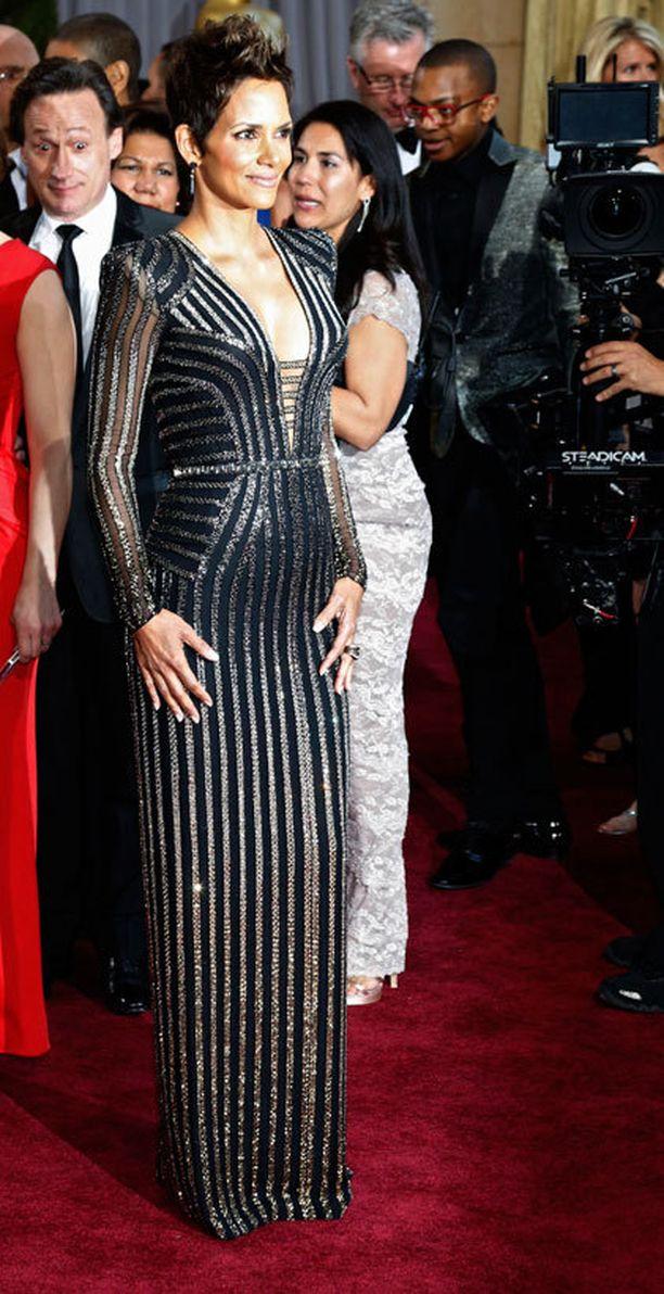 Harva tiesi Halle Berryn olevan pieniin päin jo Oscar-gaalan aikoihin.