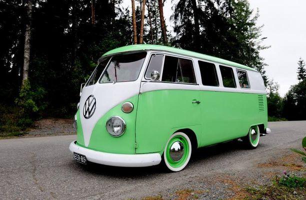 Vuonna 2008 tämä vihreä-valkoinen Transporter voitti Iltalehden kesäautokilpailun.