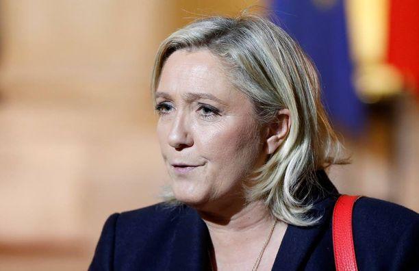 Muun muassa Ranskan äärioikeistojohtaja Marine Le Pen vaatii pakolaisvirran pysäyttämistä.