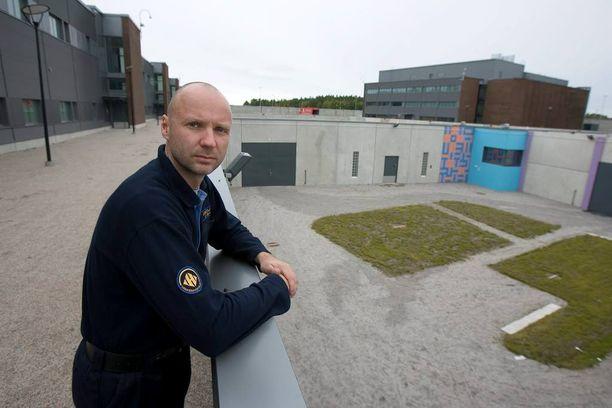 Vankilanjohtaja Juhani Järven mukaan tapaus on ainoa, jossa vanki on päässyt karkuun ympärysmuurin yli.