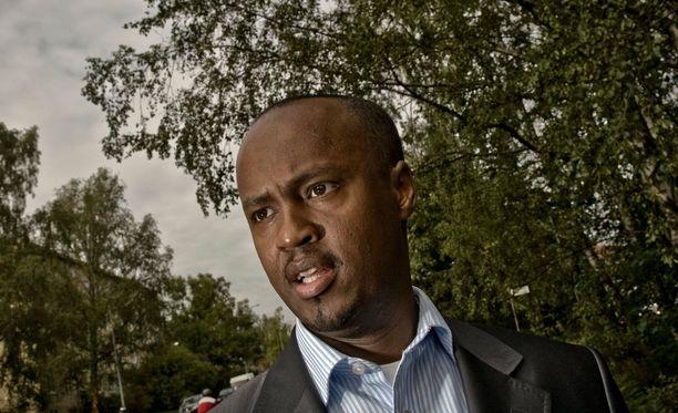 """Abdirahim """"Husu"""" Hussein sanoo, että somaliyhteisön asenteet tyttöjen silpomista kohtaan ovat kuluneiden vuosikymmenten aikana muuttuneet radikaalisti."""