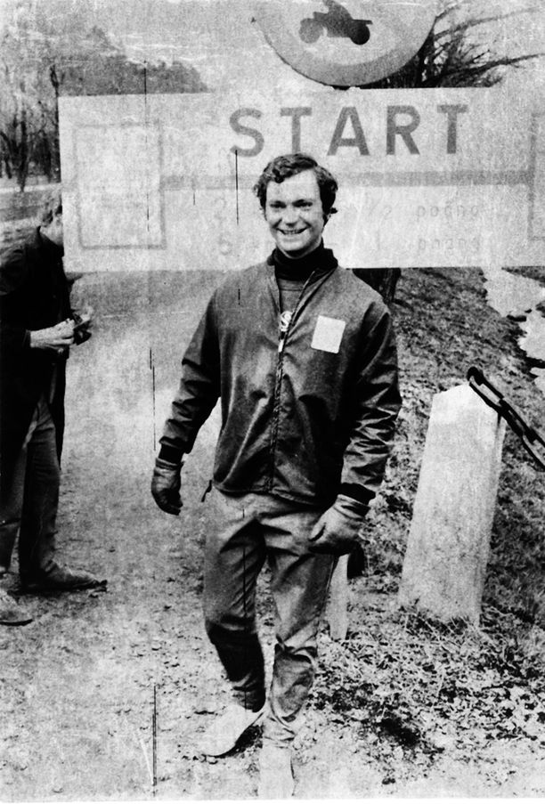 25-vuotias Kaarle Kustaa Ruotsin ja Suomen välisessä kunto-ottelussa 1971.