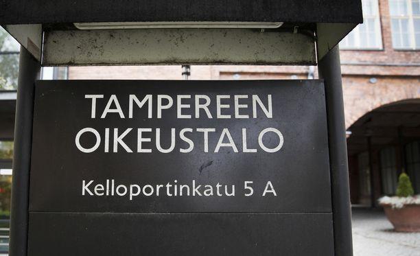 Oikeudenkäynti pidettiin Tampereella, koska Pohjoismaisen vastarintaliikkeen johtoa on kotoisin käräjäoikeuden toimialueelta.