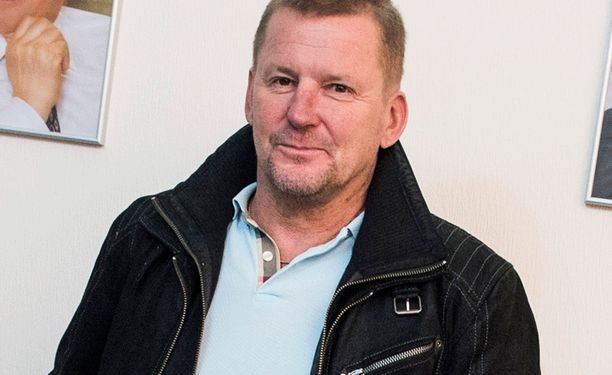 Kari Heikkilä puuttui pelaajiensa kortin pelaamiseen.