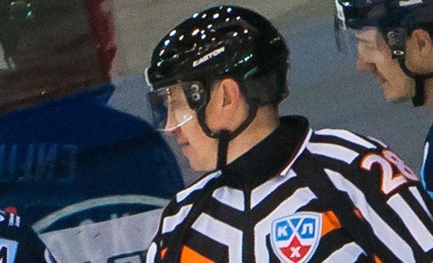 Pavel Komarov on tuttu näky KHL-peleissä.