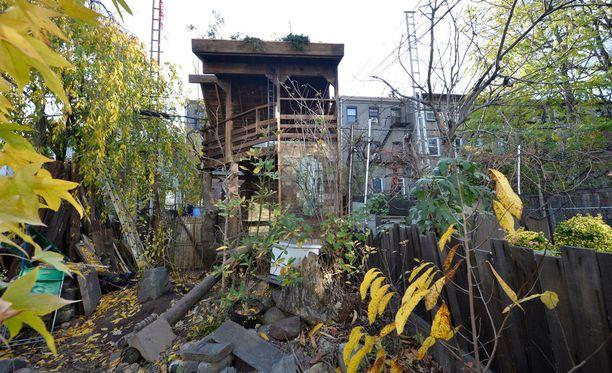 New Yprkin Brooklynissa sijaitsevaa puumajaa vuokrataan matkailijoiden majoitustiloiksi.