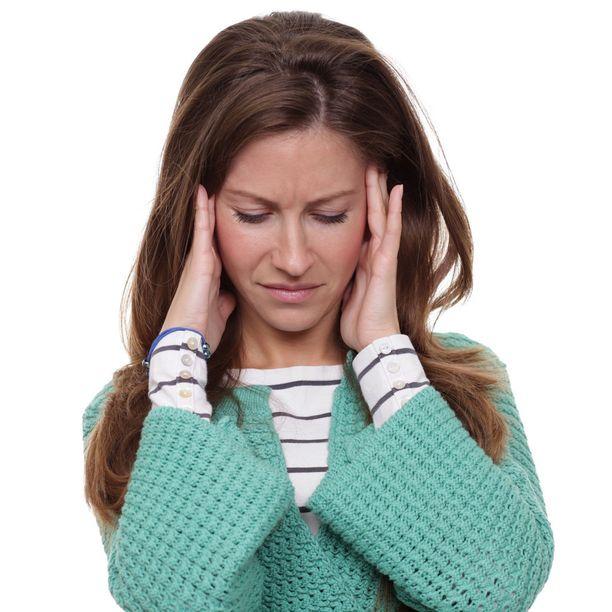 Bruksismi aiheuttaa monenlaisia oireita. Tyypillisin on päänsärky.