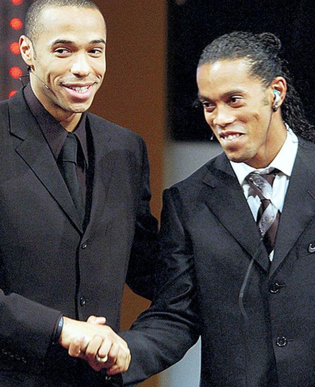 Juhliiko Thierry Henry (vas.) vai Ronaldinho tänään Mestarien liigan voittoa?