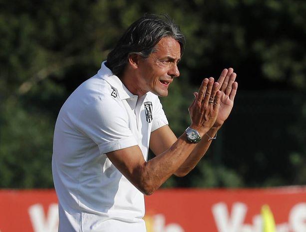 Filippo Inzaghi valmentaa Beneventoa.