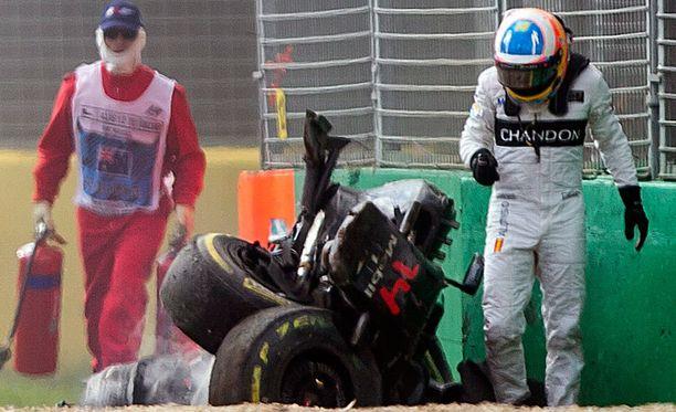 Fernando Alonso selvisi omatoimisesti ulos autonraadostaan.
