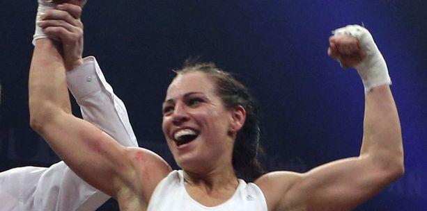 Eva Wahlströmm löi Anna Sikoran joulukuussa.