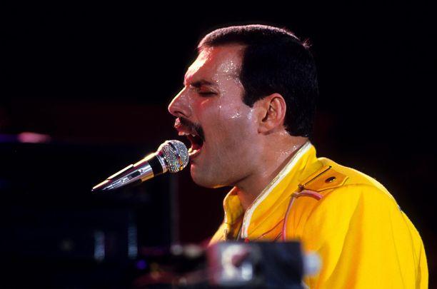 Freddie Mercury Wembleyn lavalla.