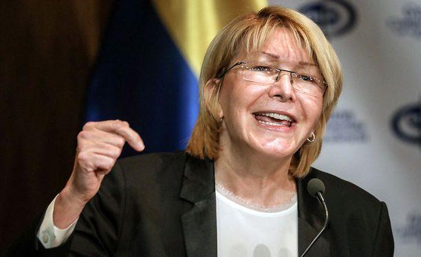 Venezuelan turvallisuusjoukot ovat saartaneet pääsyyttäjä Luisa Ortegan toimiston. Ortega kertoo asiasta Twitterissä.