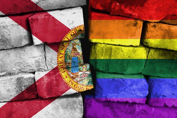 Floridan kuvernööri allekirjoitti lain Pride-kuukauden ensimmäisenä päivänä.