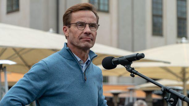 Maltillisen kokoomuksen johtaja Ulf Kristersson on pitänyt Ruotsin linjaa kiinalaisia investointeja kohtaan naiivina. Sälenin turvallisuuskokouksessa Kristersson vaati, että Ruotsin on saatava oma Kiina-strategia eurooppalaisen strategian ohella. Kuvassa Kristersson syyskuussa 2018.