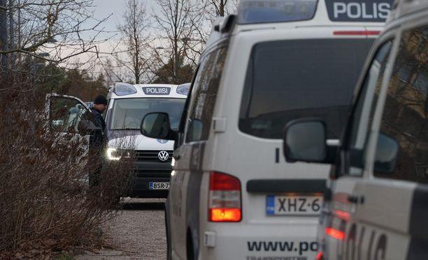 Pankkiryöstö aiheutti laajan poliisioperaation Klaukkalassa joulukuun alussa.