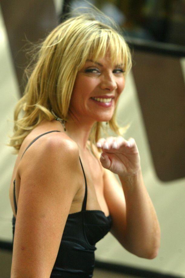 Kim Cattrall tunnetaan Sinkkuelämää-sarjan viekkaana Samanthana.