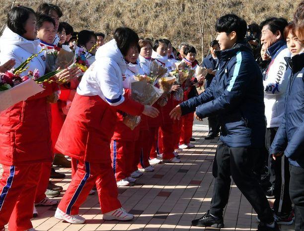 Pohjois-Korean kiekkoilijat otettiin lämpimästi vastaan etelässä.