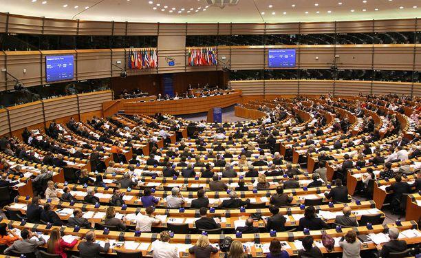 Ääniharaviksi ovat vahvoilla kokoomuksen Alexander Stubb, keskustan Olli Rehn ja perussuomalaisten Jussi Halla-aho.