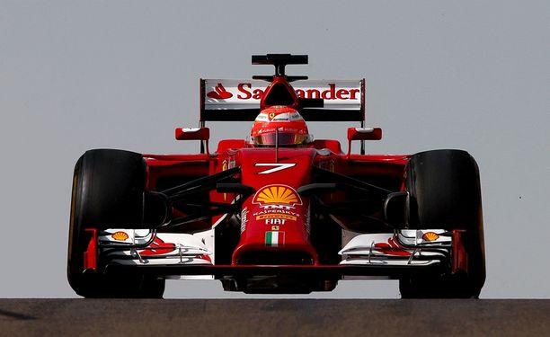 Kimi Räikkönen uskoo saavansa alleen nopeamman kilpurin.