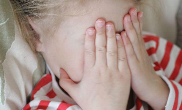 Narsismin tunnistaminen ja tilanteeseen puuttuminen voi ehkäistä käytöksen siirtymistä lapsiin.