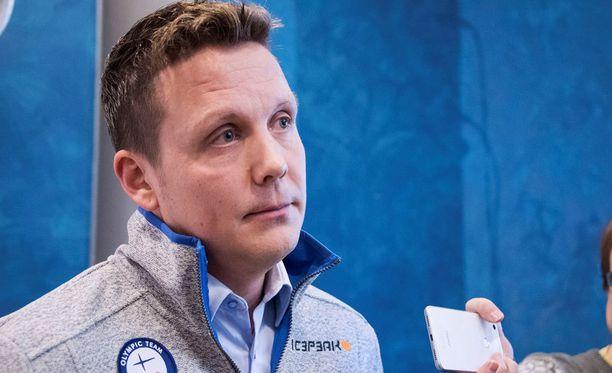 Leijonien päävalmentaja Lauri Marjamäki joutui viikonloppuna romuttamaan yhdeksän miehen olympiaunelman.