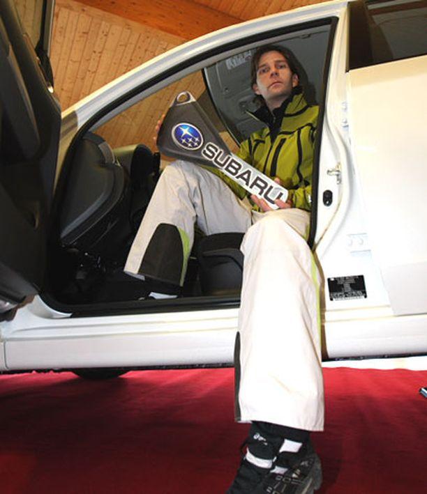 Janne Ahonen empii palkintoauton vastaanottoa kovan verotuksen takia.