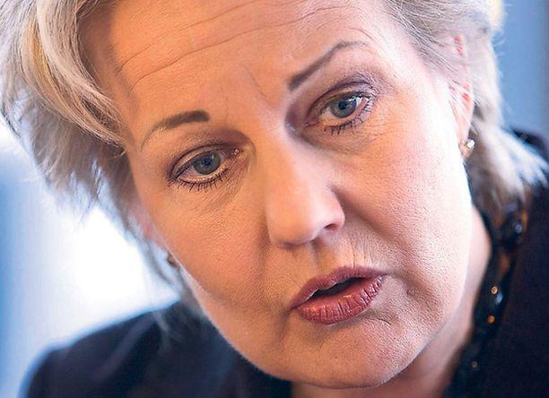 Alastonta tietoturvaa Suvi Lindén sanoo päivän Aamulehdessä, että työnantajalla on oikeus vaatia työntekijäänsä riisumaan alasti, jos katsoo sen tietosuojan kannalta tarpeelliseksi.