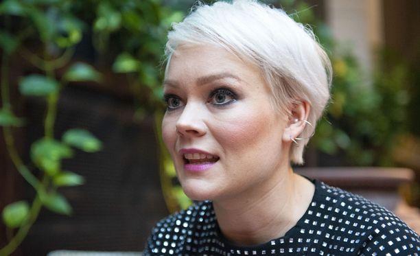 Anna Puu voi valita kolmen laulajan ryhmästä kaksi jatkoon.