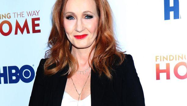 J. K. Rowling on saanut aikaan somemyrskyn twiitillään.