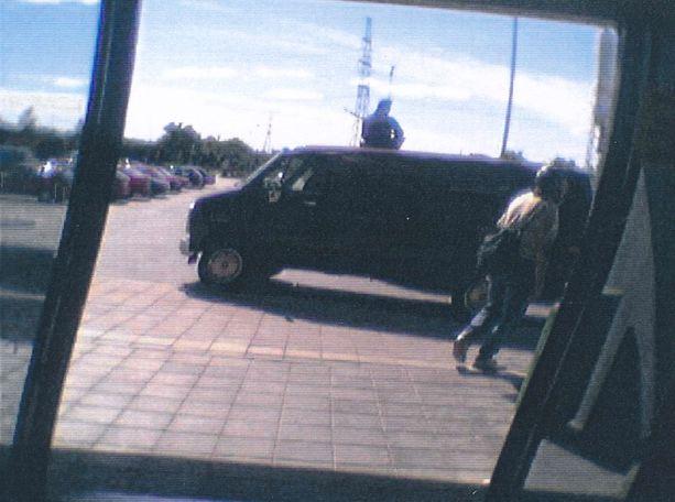 Poliisin julkaisema kuva arvokuljetusryöstön yrityksestä.