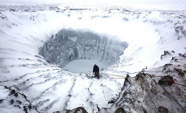 Metaanikuplia on löydetty useita tuhansia, osa niistä on jo räjähtänyt muodostaen kraattereita.