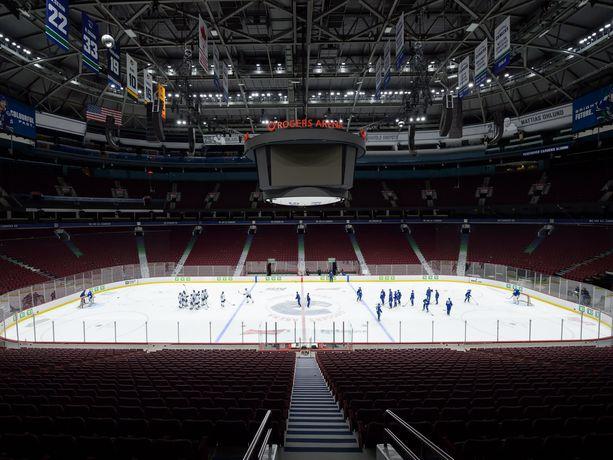 Jason Botchford oli tuttu näky Rogers Arenan katsomossa.
