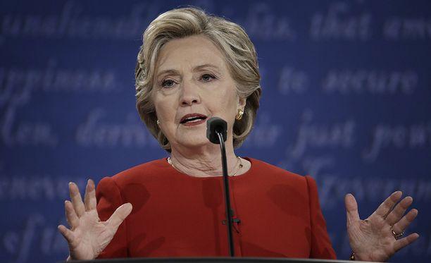 Hillary Clinton on suosikki sekä itä- että länsirannikolla.